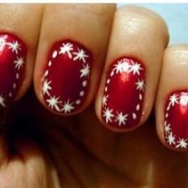 Beautiful manicure for Christmas
